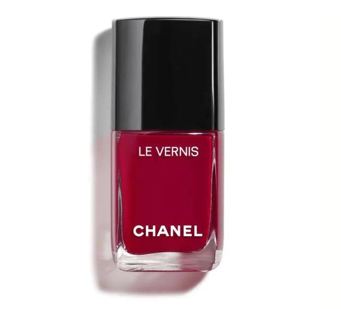 Esmalte burdeos Le Vernis de Chanel