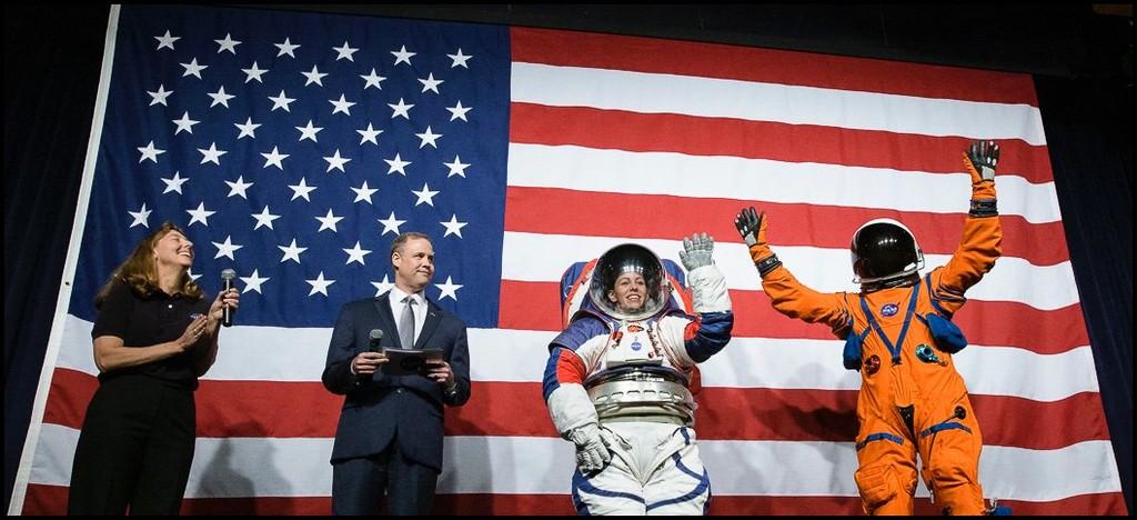 La NASA nos presenta sus nuevos trajes espaciales con los que buscará llevar nuevos astronautas a la Luna y Marte