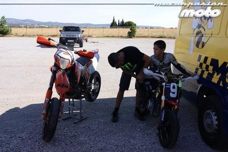 Rodada Roussellon David y Sergi Maza en boxes