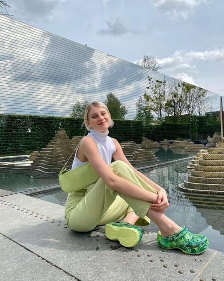 Las Crocs son el must have del verano: cinco modelos con plataforma que nos salvarán en la playa y en la ciudad