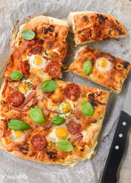 Focaccia Con Tomates Huevos Y Jamon 768x1075