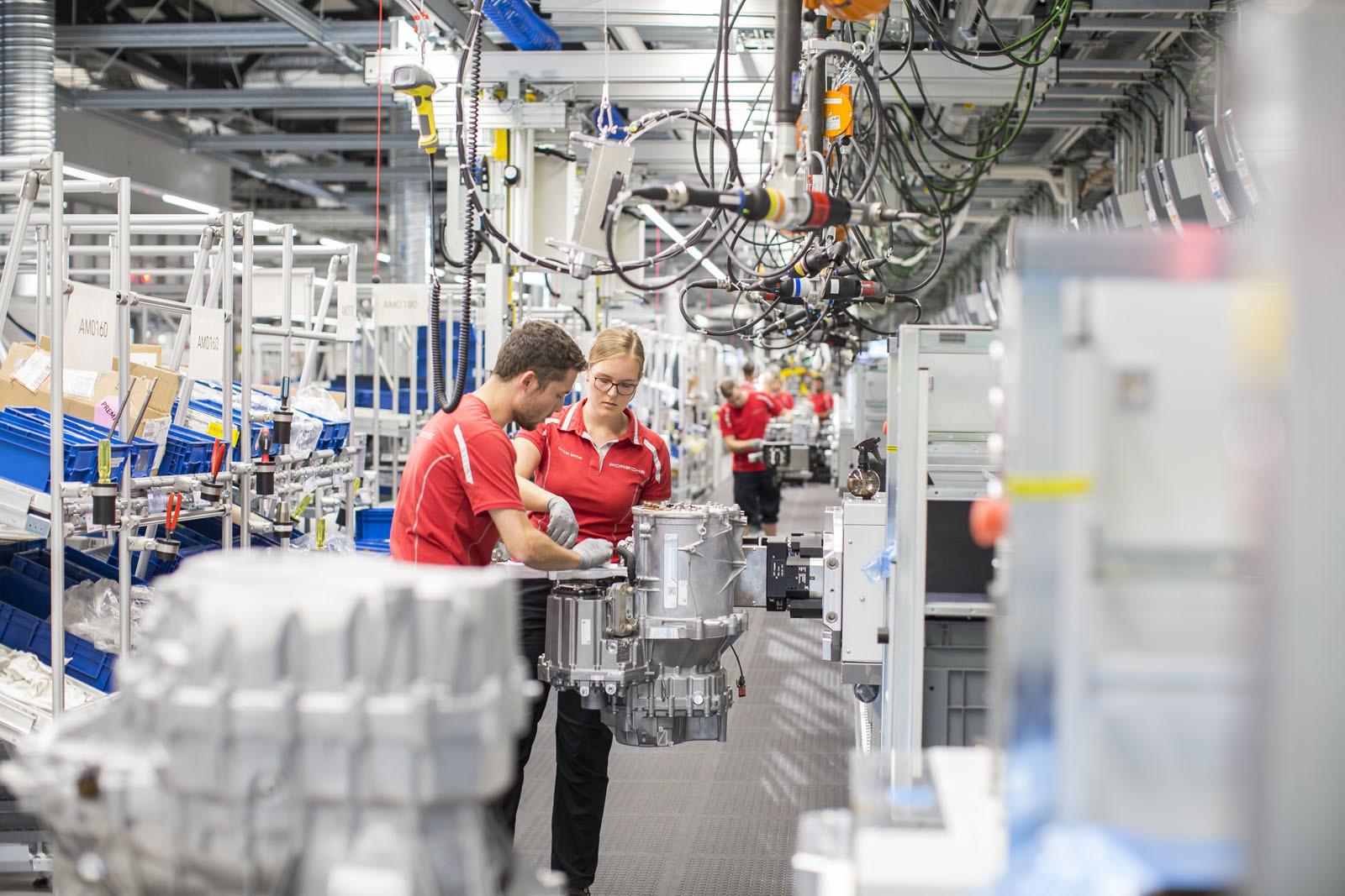 Foto de Fábrica Porsche Taycan (inauguración) (43/44)