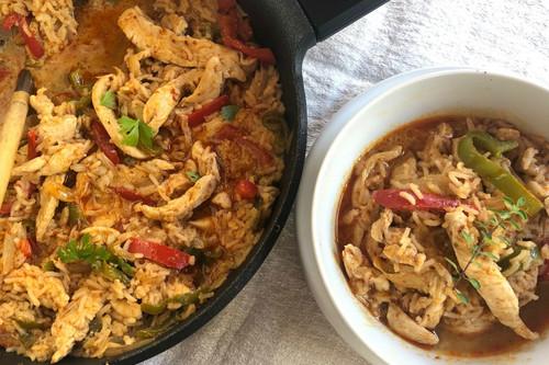 Nasi goreng de pollo, receta indonesia fácil para hacer en casa