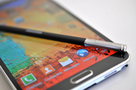Samsung patenta un lápiz digital con micrófono y altavoz