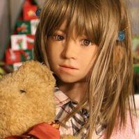 """Una empresa fabrica muñecas sexuales con apariencia infantil para """"evitar que los pedófilos abusen de niñas reales"""""""