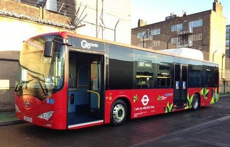 Hoy entran en servicio en Londres dos autobuses eléctricos