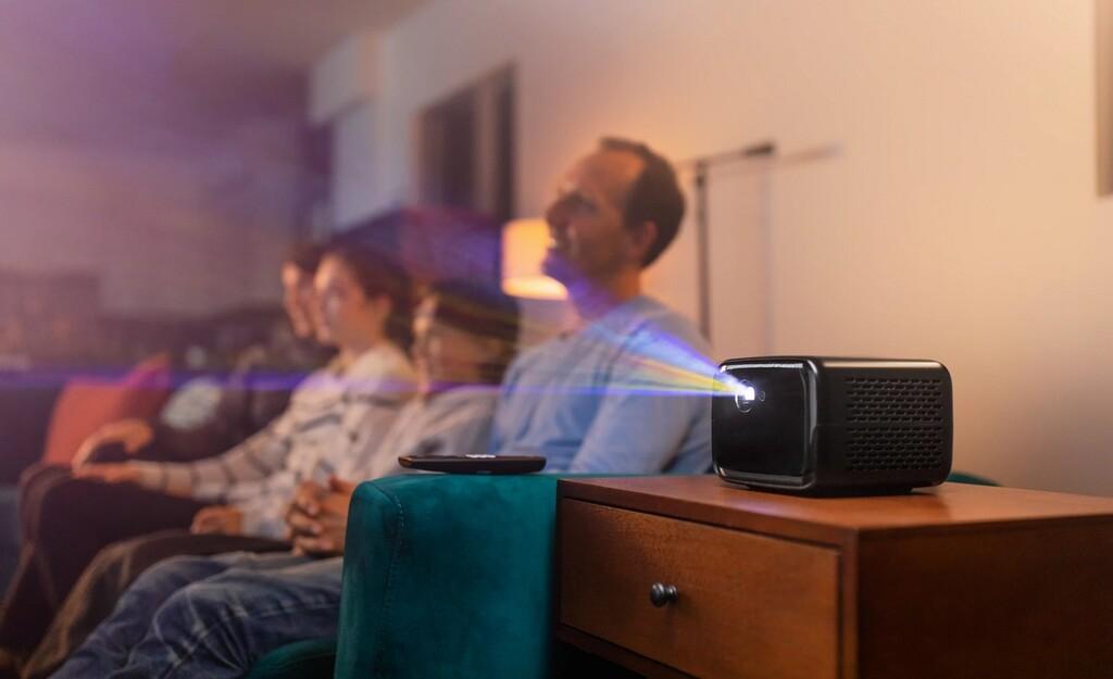El nuevo proyector LED portátil Philips PicoPix Max TV  promete hasta 120