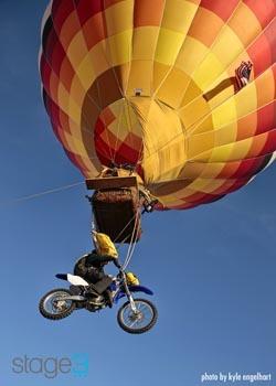 Récord mundial saltando desde un globo