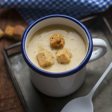 Sopa griega de garbanzos: receta con y sin Thermomix para comer legumbre y disfrutar de la experiencia