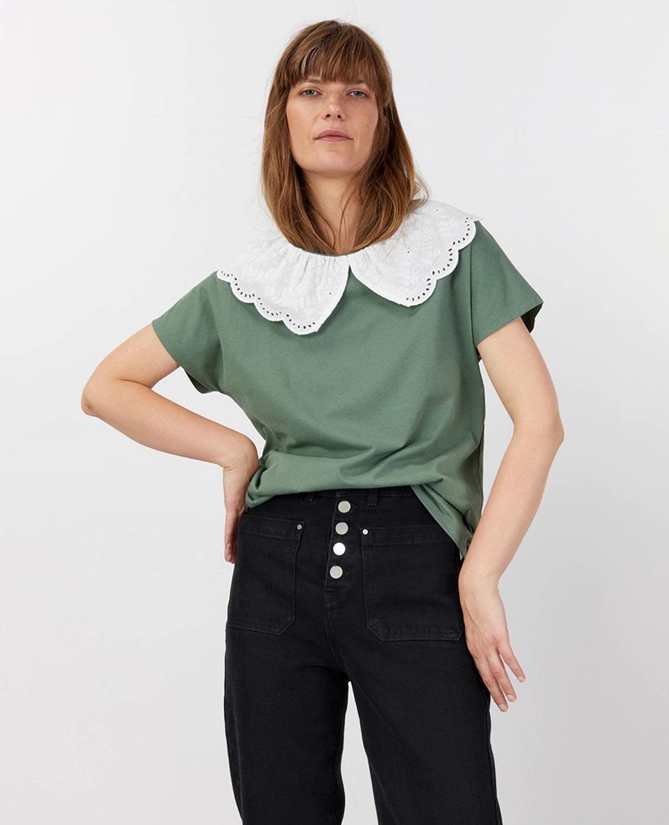 Camiseta verde con aplique de cuello bobo de Sfera
