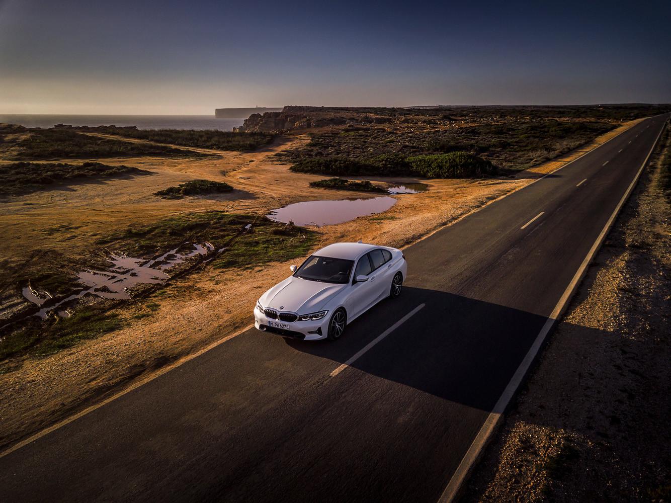 Foto de BMW 330e 2019 (9/11)