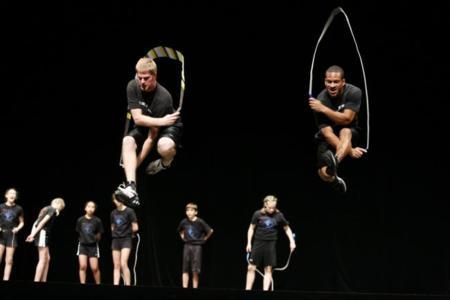 23 ejercicios diferentes saltando a la cuerda