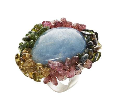 Yanes Young acaba de presentar Happy Jewels, una colección llena de alegres y refrescantes colores