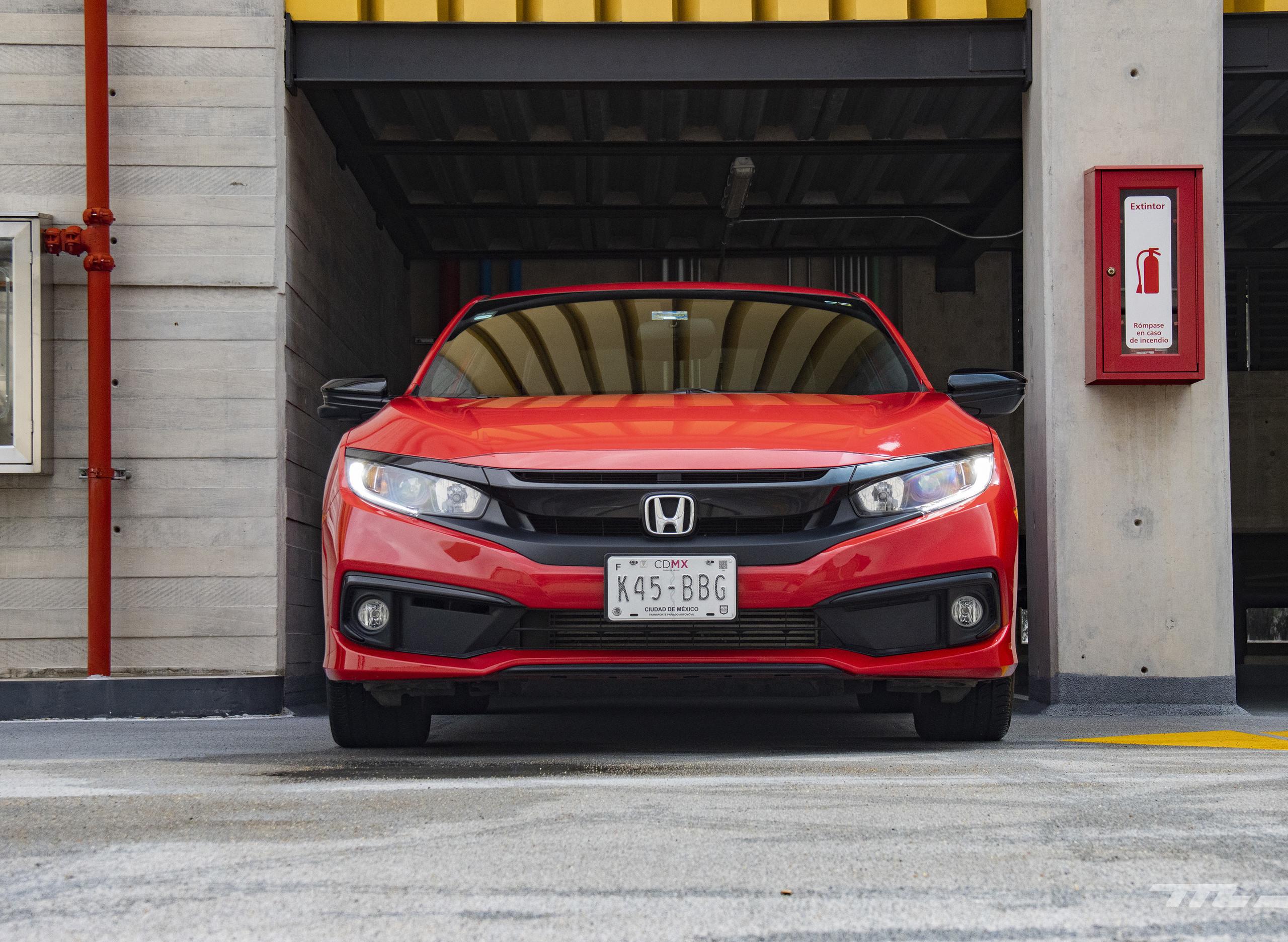 Foto de Honda Civic Coupé 2020 (45/70)