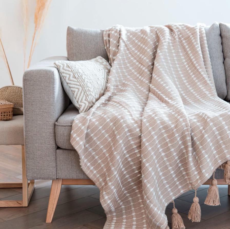 Manta Maabane de algodón beige con motivos de rayas tejidas color crudo 140x180