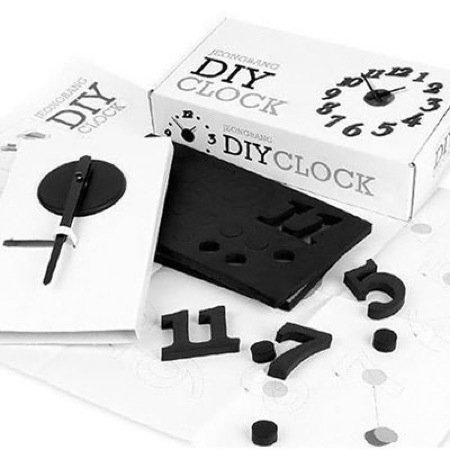 Divertido kit para que creemos nuestro propio reloj de pared