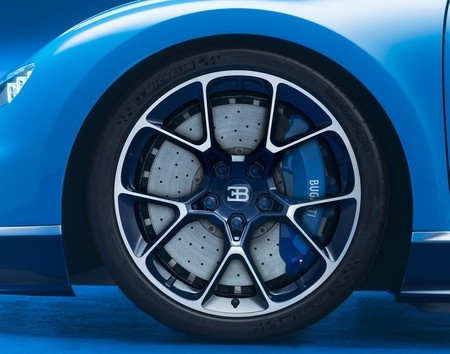Bugatti Chiron Llanta