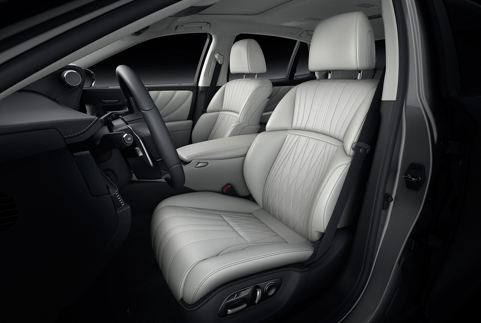 Foto de Lexus LS 500h 2021 (12/14)