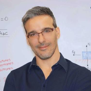 """David Calle: """"Mi compromiso y mi obsesión es ayudar gratis a la mayor cantidad de gente posible"""", hablamos con el profesor youtuber creador de Unicoos"""