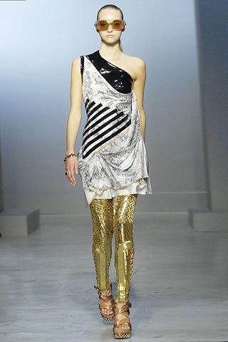 Balenciaga y sus leggings de 100.000 dólares