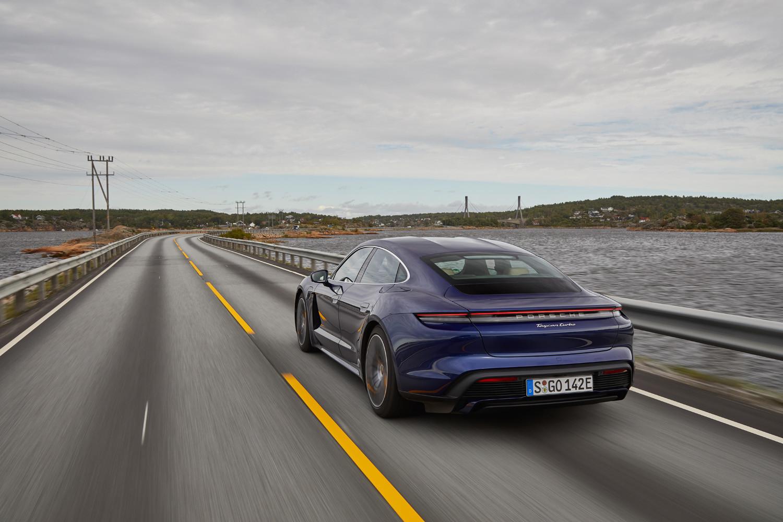 Foto de Porsche Taycan prueba contacto (24/275)