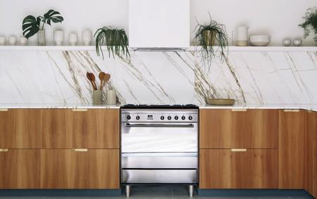 Guía práctica para elegir la encimera; diseño, acabados y grosores que son tendencia en la cocina