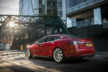 El Tesla Model S bate al BMW i3 en la lucha por ser el motor más ecológico del año