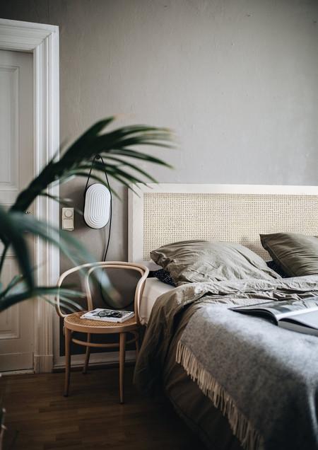 Cuatro tipos de elementos, funcionales y decorativos, en fibras naturales para prolongar el verano en casa