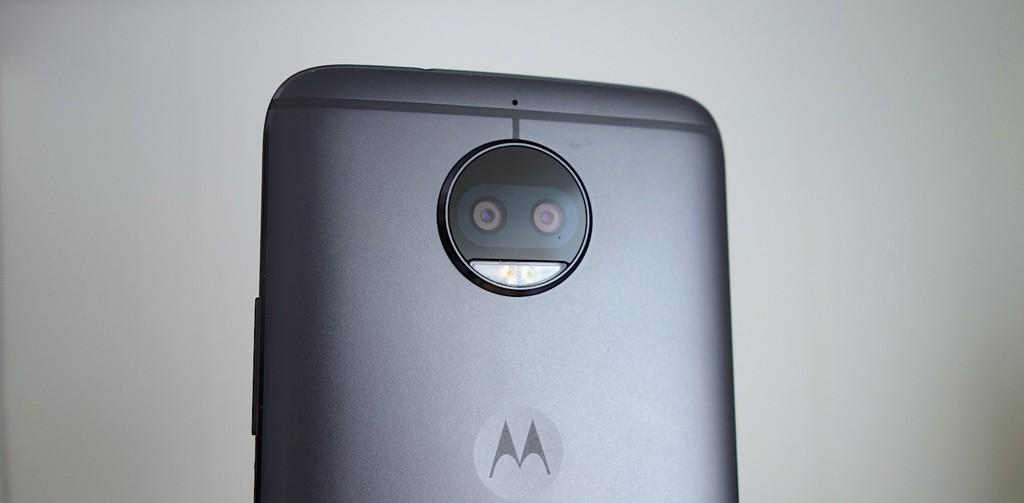 Moto G5s Plus Camera