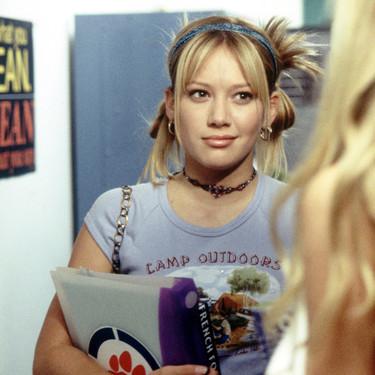 Hilary Duff vuelve a ser Lizzie McGuire en una nueva entrega de la serie (ahora con 30 años y en Nueva York)