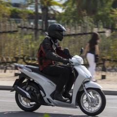 Foto 3 de 19 de la galería honda-scoopy-sh125i-2013-prueba-valoracion-galeria-y-ficha-tecnica-fotos-accion en Motorpasion Moto