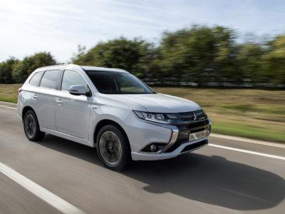 El Toyota Auris y el Mitsubishi Outlander PHEV son los coches híbrido y enchufable más vendidos en España en 2015