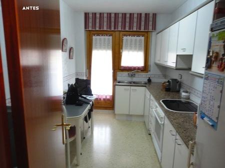 Antes y despu s ganando espacio y luz natural for Unir cocina y salon