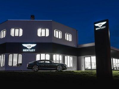 Bentley prepara una gran hornada de híbridos enchufables (de nuevo) y se niega a la conducción autónoma