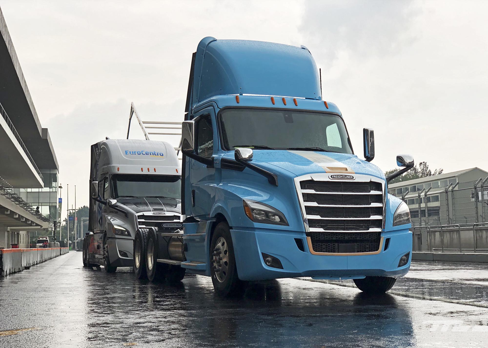 Foto de Freightliner México (9/15)
