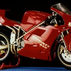Foto 57 de 73 de la galería ducati-panigale-v4-25deg-anniversario-916 en Motorpasion Moto