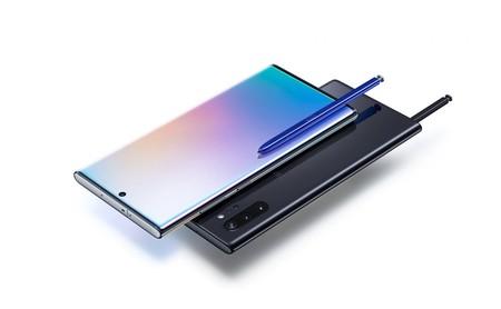 """Samsung Galaxy Note 10 y Note 10+: más tamaños, más cámaras y """"una perforación"""" en los smartphones que se controlan sin tocarlos"""