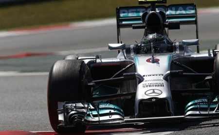Nico Rosberg delante en la FP3. Lewis Hamilton esconde sus cartas