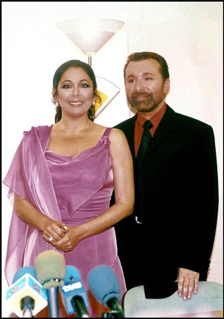 Isabel Pantoja Y Jose Manuel Parada 875x1247 076e23f2