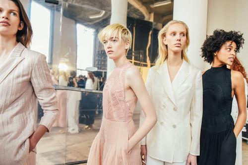 """Massimo Dutti se convierte en el """"fast fashion"""" más exclusivo, así ha sido su maravilloso desfile en París"""