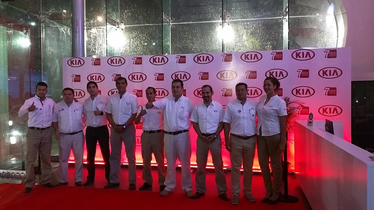 Inauguración 25 concesionarios de KIA México