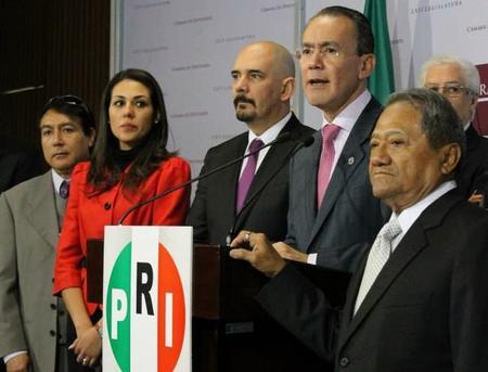 Diputados del PRI piden hasta 6 años de cárcel para quien descargue contenido de manera ilegal