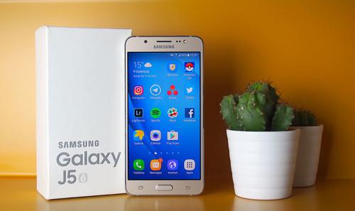 Samsung Galaxy J5 (2016), análisis: un móvil básico con aspiraciones premium