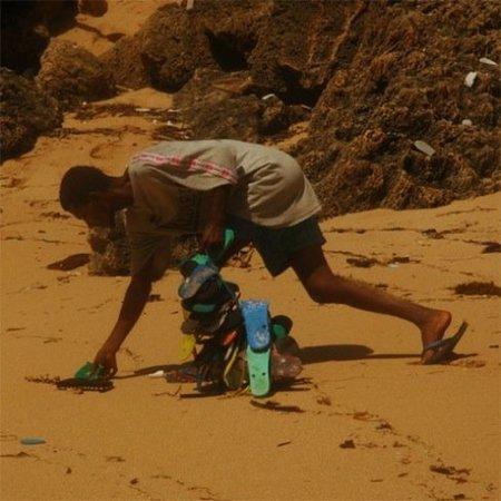 Recicladecoración: objetos decorativos fabricados con chanclas de playa