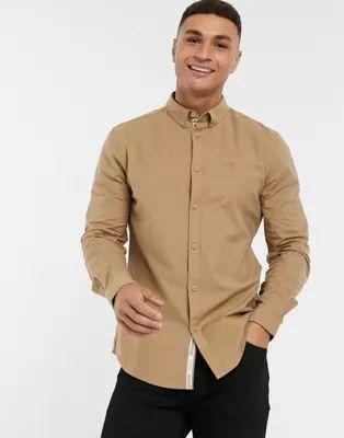 Camisa Oxford marrón clara de corte estándar y manga larga de River Island