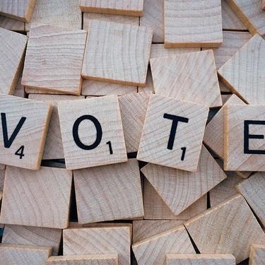 Estar embarazada, ser madre lactante o tener niños pequeños, ¿nos libra de estar en una mesa electoral?