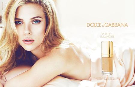 Scarlett Johansson desprende luz propia en la nueva campaña de Dolce & Gabbana