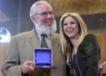 Shakira es premiada por la ONU por buena persona
