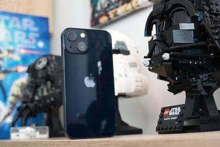 """iPhone 13 mini, análisis: deberes hechos y potencia a tope en el más """"peque"""""""