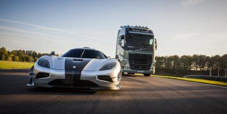 Volvo FH vs Koenigsegg One:1, en breve en sus pantallas